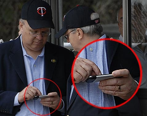 Karl Rove uses iPhone